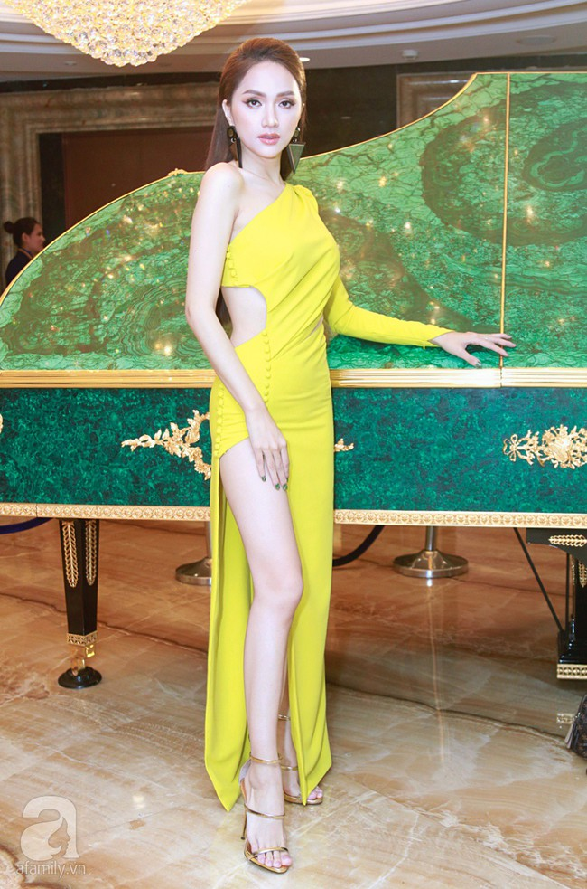 Hoa hậu Hương Giang xinh đẹp tỏa sáng khi đứng cạnh minh tinh Châu Hải My - Ảnh 3.