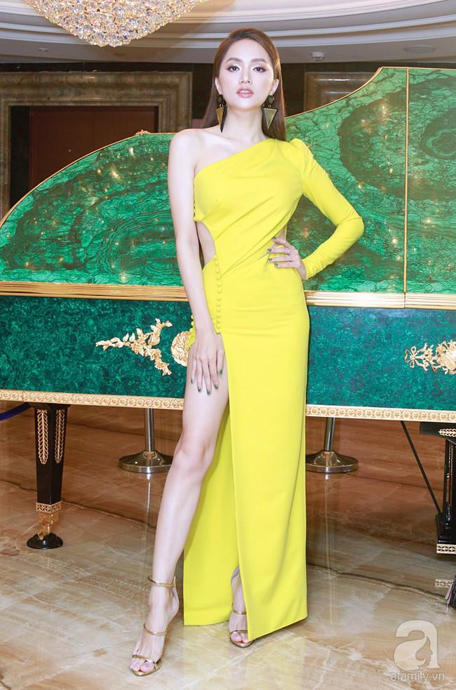 Hoa hậu Hương Giang xinh đẹp tỏa sáng khi đứng cạnh minh tinh Châu Hải My - Ảnh 4.