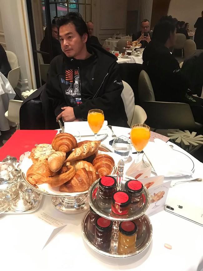 Sang Pháp du lịch, ở khách sạn hạng sang nhưng Quách Ngọc Ngoan và vợ đại gia lại mê mệt món ăn bình dân này - Ảnh 4.