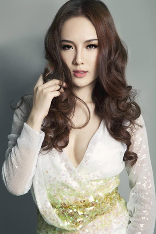 Cuộc sống giàu sang của ca sĩ lười nhất showbiz - Phương Linh - Ảnh 1.