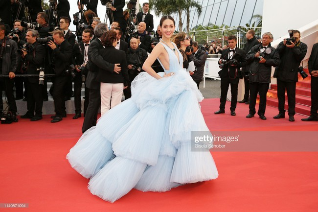 Ngộp thở với các  màn khoe ngực táo bạo tại Cannes ngày 4: Mỹ nhân Như Ý Truyện khoe sắc với váy xẻ cũng vẫn chào thua siêu mẫu thả rông vòng 1  - Ảnh 15.