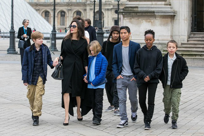 Cậu cả Maddox: Từ cậu bé Campuchia mồ côi, thiếu vắng tình thương tới nguyên nhân khiến Angelina Jolie chấm dứt chuyện tình 12 năm với Brad Pitt  - Ảnh 7.