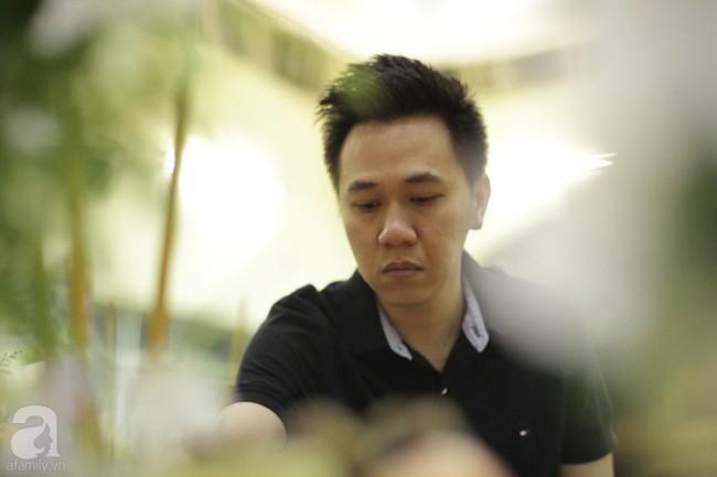 Lội mưa gió, NSƯT Thành Lộc, Minh Hằng và nhiều nghệ sĩ khác vẫn đến lễ viếng cố nghệ sĩ Lê Bình  - Ảnh 22.