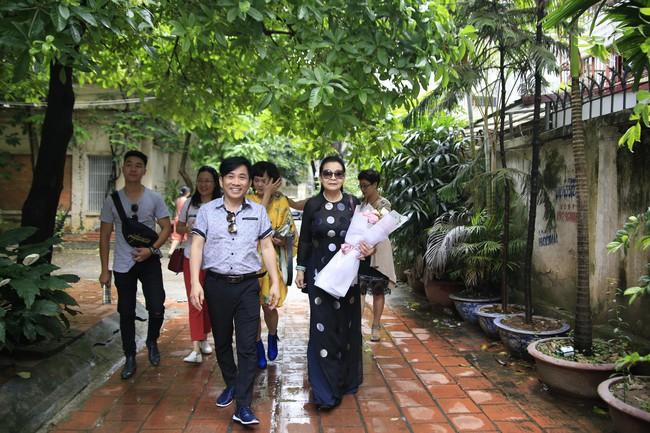 Khánh Ly xúc động khi nghe các em nhỏ khuyết tật hát nhạc Trịnh Công Sơn  - Ảnh 1.