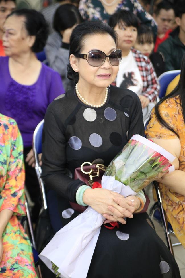 Khánh Ly xúc động khi nghe các em nhỏ khuyết tật hát nhạc Trịnh Công Sơn  - Ảnh 6.