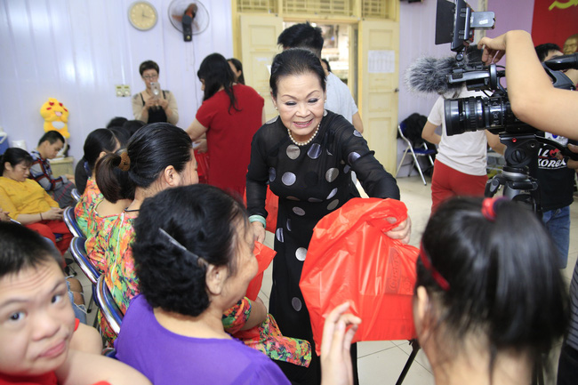 Khánh Ly xúc động khi nghe các em nhỏ khuyết tật hát nhạc Trịnh Công Sơn  - Ảnh 11.