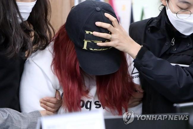 Vụ bé gái 12 tuổi bị mẹ ruột và bố dượng giết hại xôn xao Hàn Quốc, hé lộ cuộc đời địa ngục của đứa trẻ khiến dư luận căm phẫn - Ảnh 1.
