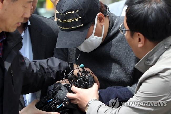 Vụ bé gái 12 tuổi bị mẹ ruột và bố dượng giết hại xôn xao Hàn Quốc, hé lộ cuộc đời địa ngục của đứa trẻ khiến dư luận căm phẫn - Ảnh 2.