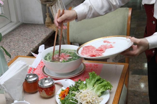 Điểm mặt những tô phở đắt nhất Việt Nam: 920.000 đồng vẫn chỉ là hạng 2, hạng 1 giá chát hơn nhiều - Ảnh 2.