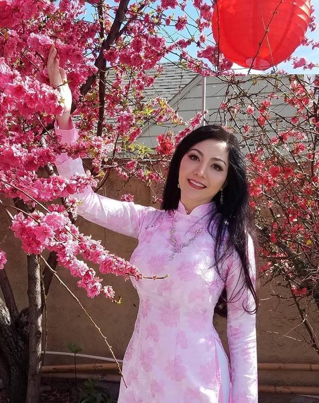 Hoa hậu Thiên Nga: Tiểu thư cành vàng 2 lần đăng quang Hoa hậu, lấy chồng Giáo sư đại học Mỹ nhưng phải chịu nhiều bất hạnh nghiệt ngã - Ảnh 7.