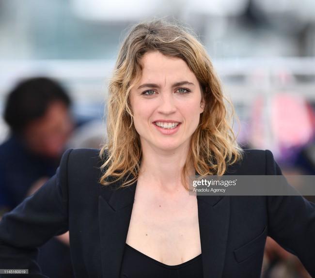 Hoa hậu đẹp nhất thế giới khoác cả chăn lông lên thảm đỏ Cannes 2019 vẫn bị Chương Tử Di ăn mặc kín đáo, đơn giản lấn át - Ảnh 22.
