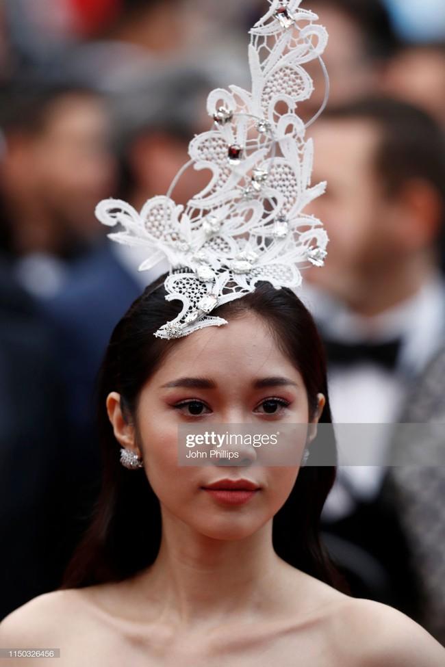 Nếu Khắc Tiệp định kể chuyện cổ tích tại Cannes thì Ngọc Trinh ắt hẳn phải vào vai Cám, nhường vai chính diện cho cô gái này  - Ảnh 8.