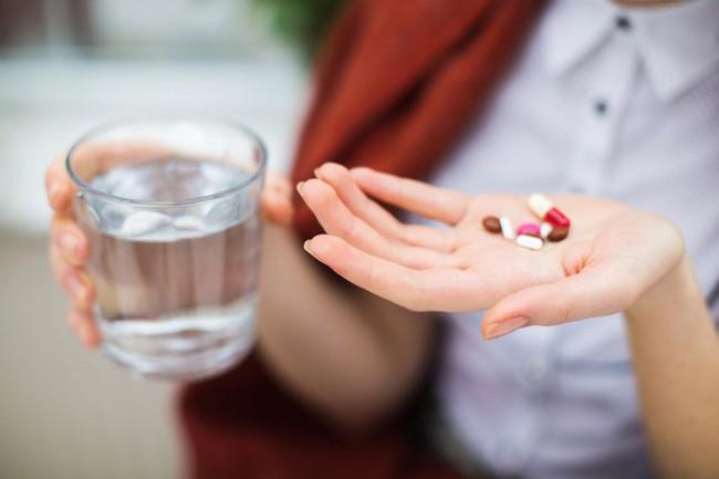 Khi bạn uống nước rồi nhưng vẫn cảm thấy khát: Hãy cảnh giác với 5 căn bệnh nguy hiểm - Ảnh 4.