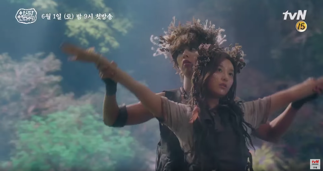 Jang Dong Gun chém giết tàn bạo, bóp cổ bạn gái Song Joong Ki trong phim mới - Ảnh 8.