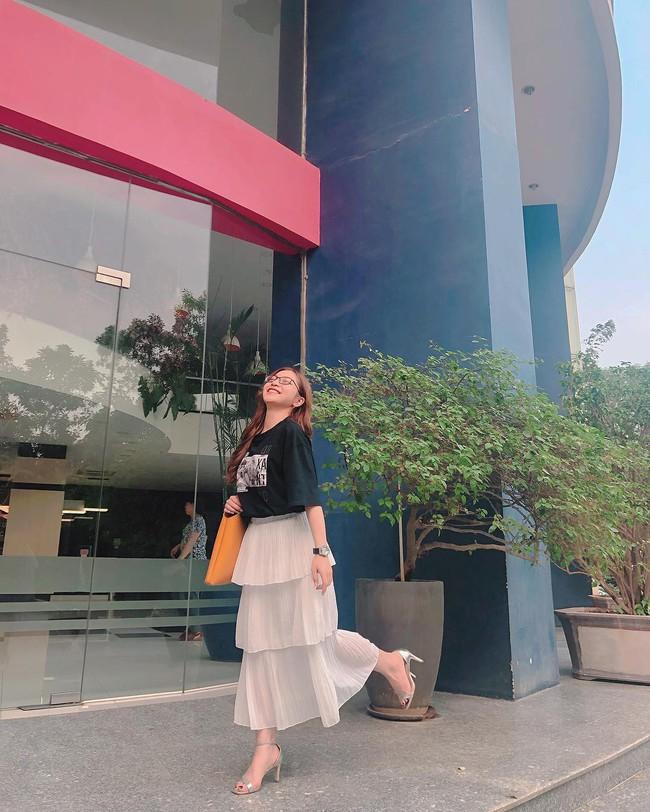 Vừa khoe ảnh mặc quần ngắn 5 phân ngồi banh chân, Nhật Lê bạn gái Quang Hải lại bị dân mạng khẩu nghiệp - Ảnh 4.