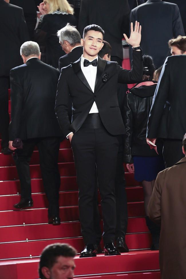 Sau Ngọc Trinh, tình tin đồn một thời của Angela Phương Trinh - Võ Cảnh điển trai trong lần đầu xuất hiện trên thảm đỏ LHP Cannes - Ảnh 9.