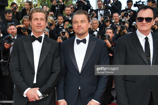 Brad Pitt và Leonardo trên thảm đỏ Cannes: Thời gian dẫu lấy đi cặp mỹ nam tuổi đôi mươi nhưng vẫn giữ lại cho ta hai gã lãng tử bậc nhất Hollywood - Ảnh 3.