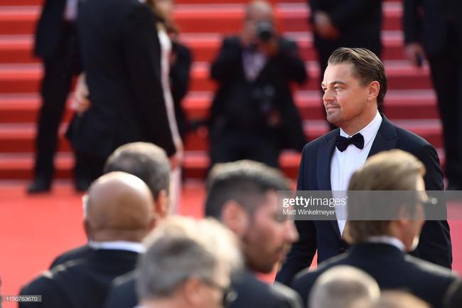 Brad Pitt và Leonardo trên thảm đỏ Cannes: Thời gian dẫu lấy đi cặp mỹ nam tuổi đôi mươi nhưng vẫn giữ lại cho ta hai gã lãng tử bậc nhất Hollywood - Ảnh 5.