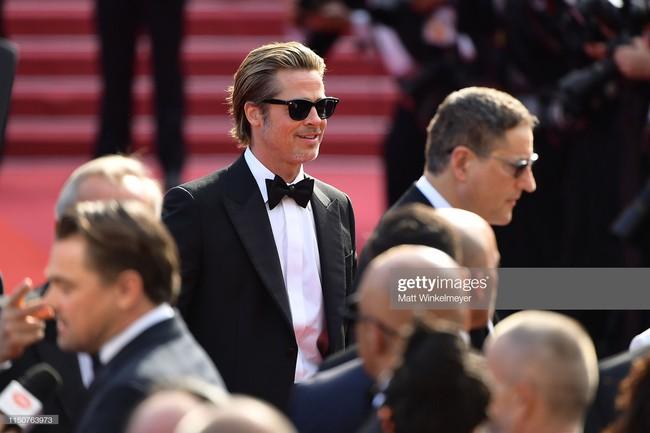 Brad Pitt và Leonardo trên thảm đỏ Cannes: Thời gian dẫu lấy đi cặp mỹ nam tuổi đôi mươi nhưng vẫn giữ lại cho ta hai gã lãng tử bậc nhất Hollywood - Ảnh 9.