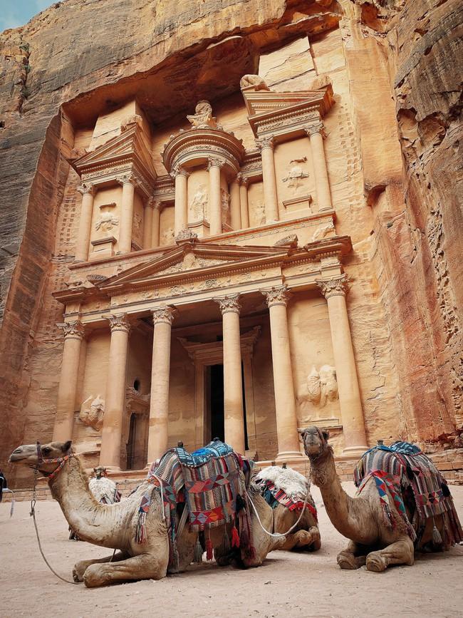 Mẹ 1 con xinh đẹp chi hàng trăm triệu đến Jordan đọc sách giữa Biển Chết, cưỡi lạc đà sa mạc - Ảnh 17.
