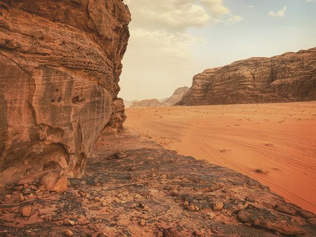 Mẹ 1 con xinh đẹp chi hàng trăm triệu đến Jordan đọc sách giữa Biển Chết, cưỡi lạc đà sa mạc - Ảnh 23.