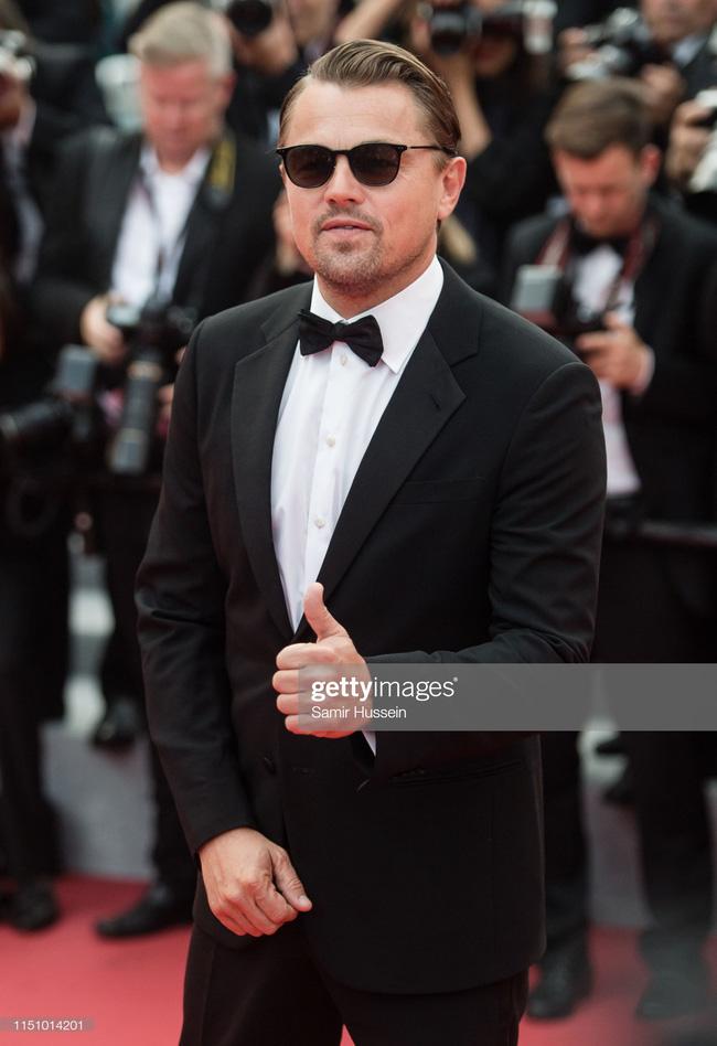 """Thảm đỏ Cannes ngày 9: Bất ngờ với gương mặt cứng đơ như tượng sáp và """"ca"""" khoe ngực hớ hênh - Ảnh 2."""