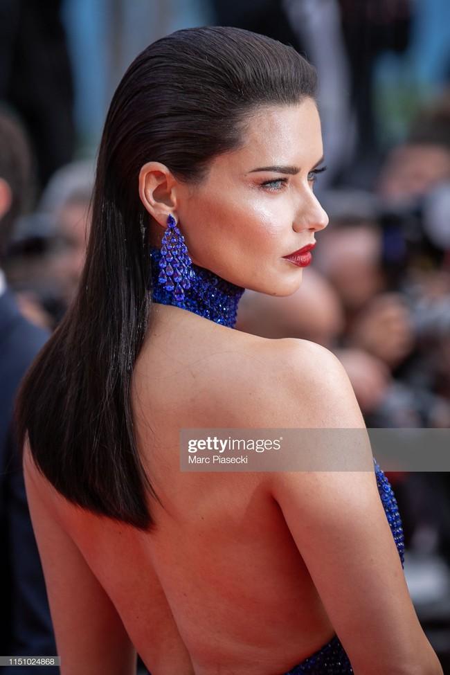 """Thảm đỏ Cannes ngày 9: Bất ngờ với gương mặt cứng đơ như tượng sáp và """"ca"""" khoe ngực hớ hênh - Ảnh 10."""