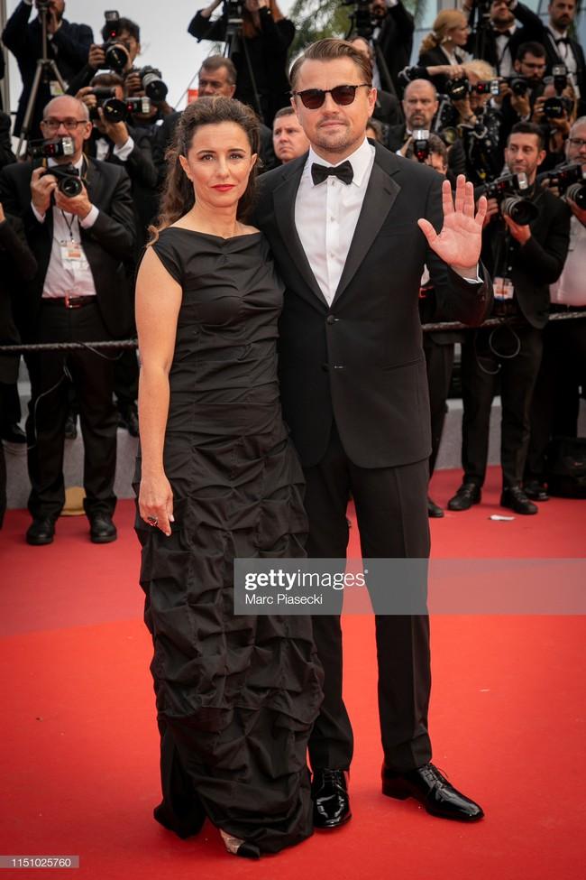 """Thảm đỏ Cannes ngày 9: Bất ngờ với gương mặt cứng đơ như tượng sáp và """"ca"""" khoe ngực hớ hênh - Ảnh 5."""