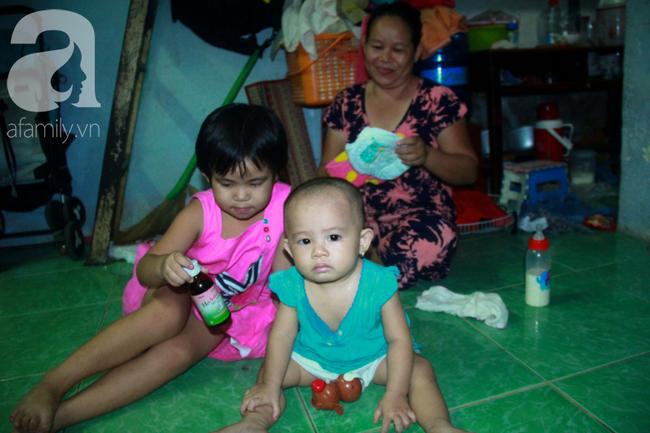 Bất chấp nguy hiểm, mới mổ sinh được 10 ngày, người mẹ đã đi làm thuê để nuôi 5 người con, cháu cùng chồng bệnh tật - Ảnh 10.
