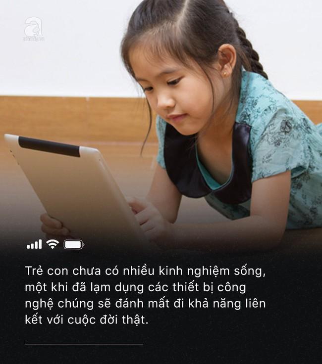 Con quấy khóc hay được bố mẹ cho chơi smartphone: Đừng vì vài phút nhàn rỗi mà hủy hoại một đứa trẻ còn chưa kịp lớn! - Ảnh 6.
