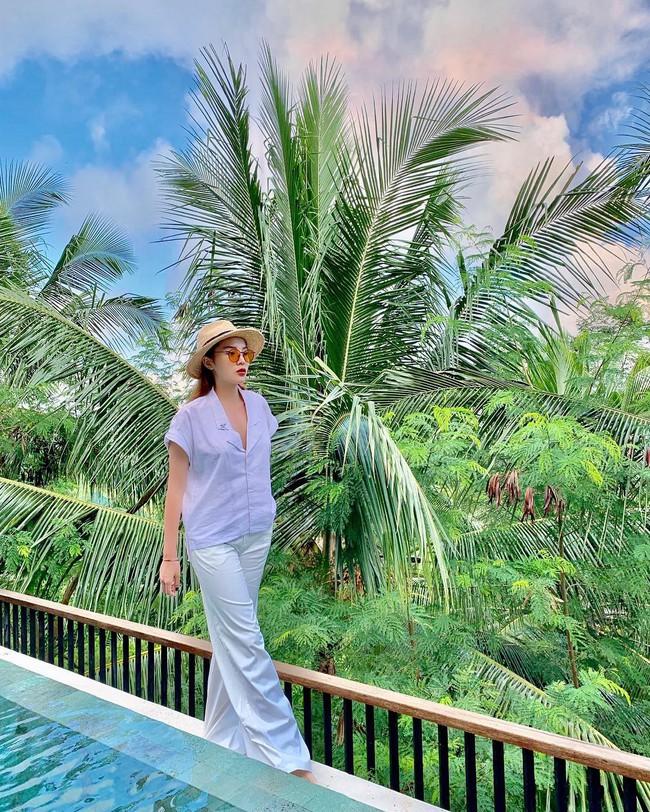 Đã mắt khi ngắm style du lịch của sao Việt nhưng đồng thời, bạn sẽ góp nhặt được 1001 ý tưởng diện đồ tuyệt xinh - Ảnh 7.