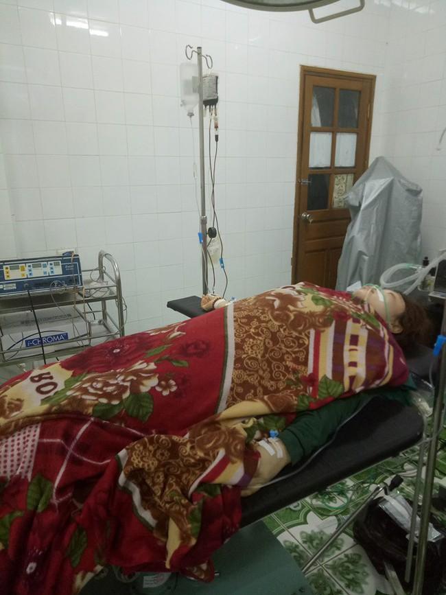 Huy động máu cứu sống sản phụ chửa ngoài tử cung vỡ ngập ổ bụng - Ảnh 1.