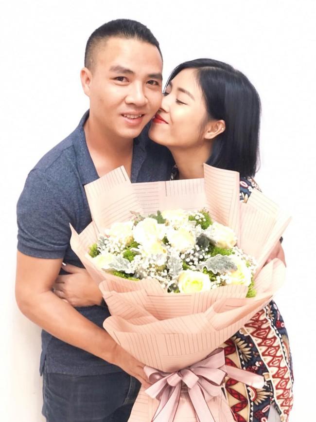 """MC Hoàng Linh bất ngờ lộ mặt thật"""", tiết lộ thâm cung bí sử tính cách chồng thứ hai của mình - Ảnh 2."""