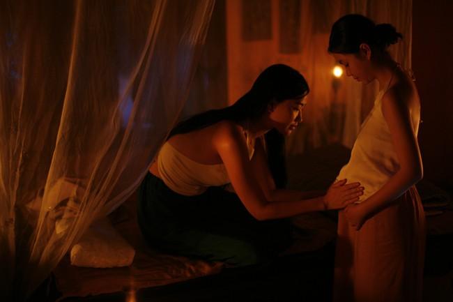 Lộ cảnh Maya khỏa thân, dạy nữ diễn viên 10x chuyện phòng the trong trailer phim <a title=