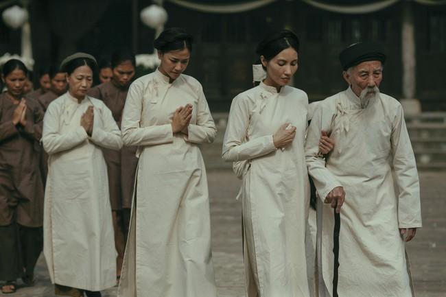 Lộ cảnh Maya khỏa thân, dạy nữ diễn viên 10x chuyện phòng the trong trailer phim Vợ ba gây sốc cộng đồng mạng - Ảnh 12.