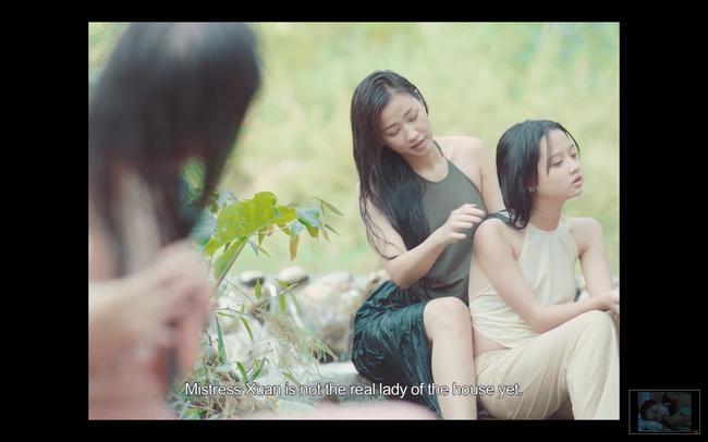 Lộ cảnh Maya khỏa thân, dạy nữ diễn viên 10x chuyện phòng the trong trailer phim Vợ ba gây sốc cộng đồng mạng - Ảnh 2.