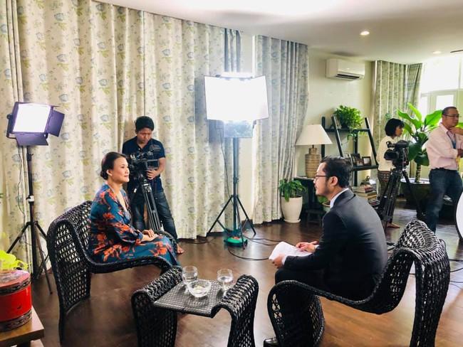Vợ mới của chồng cũ Hồng Nhung lộ vòng bụng khác thường, tiết lộ điểm không ai ngờ ở ông xã - Ảnh 3.