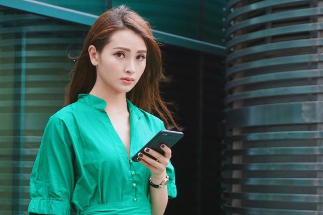 Hot girl chơi ma túy đá ở Mê cung: Là MC xinh nhất Bữa trưa vui vẻ, vướng ồn ào vì bạn trai tham gia show hẹn hò  - Ảnh 5.