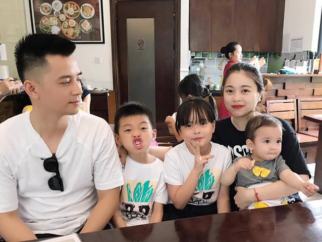 Hằng Túi tâm sự nhớ con khi đi Hàn Quốc, nhưng bình luận reo mừng của ông xã Tiến Dũng mới chiếm trọn spotlight - Ảnh 4.