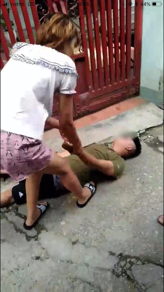 """Chồng bắt quả tang vợ ngoại tình với đồng nghiệp, vợ vẫn thản nhiên quát lại: """"Tao không phải quỳ thằng nào, đứa nào, tao cũng không phải xin lỗi ai"""" - Ảnh 1."""