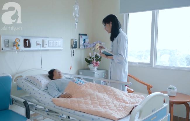 Tự mua kháng sinh điều trị khó thở, một bệnh nhân Bến Tre suýt chết vì vi khuẩn kháng thuốc gây viêm phổi nặng - Ảnh 1.