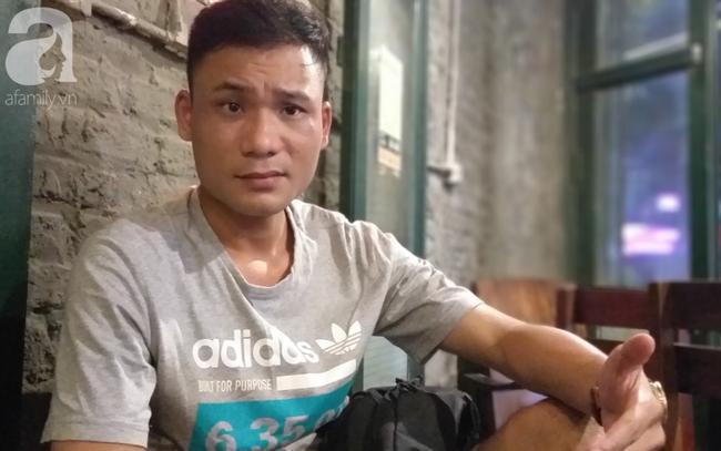Anh Nguyễn Thành Trung đang trao đổi với PV