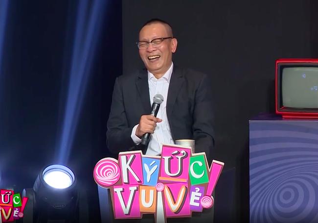 """""""Ký ức vui vẻ"""": MC Lại Văn Sâm gặp sự cố khó nói, khán giả không trách mà ngược lại còn hò hét cổ vũ vì điều này - Ảnh 5."""