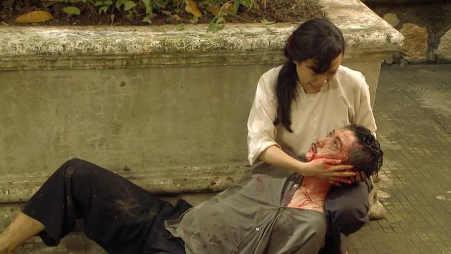 """""""Tiếng sét trong mưa"""" tập 23: Bình - Nhật Kim Anh ôm bụng bầu nhảy sông tự sát, khán giả thương xót đến tột cùng - Ảnh 3."""
