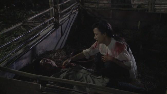 """""""Tiếng sét trong mưa"""" tập 23: Bình - Nhật Kim Anh ôm bụng bầu nhảy sông tự sát, khán giả thương xót đến tột cùng - Ảnh 4."""