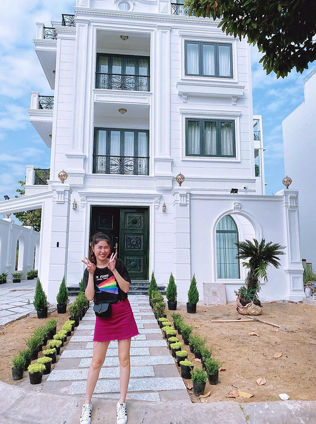 """Bà xã Đăng Khôi khoe biệt thự hai """"mặt tiền"""" siêu to khổng lồ, nhưng bất ngờ nhất là danh tính người thiết kế - Ảnh 5."""
