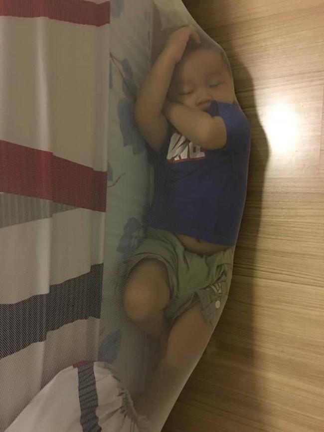 """Nếu tỉnh dậy không thấy con đâu, cha mẹ đừng vội hoảng sợ vì có thể con đang trốn ở """"chỗ hiểm"""" này đây - Ảnh 3."""