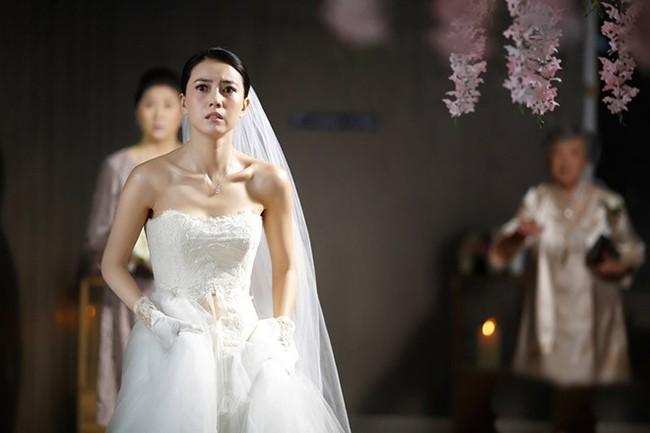 """Sau khi chụp ảnh cưới ở Thái Lan và lễ ăn hỏi hoành tráng cùng màn trao thân của cô dâu, chú rể thú nhận sốc: """"Nằm cạnh em anh lại thấy sợ hãi"""" - Ảnh 2."""