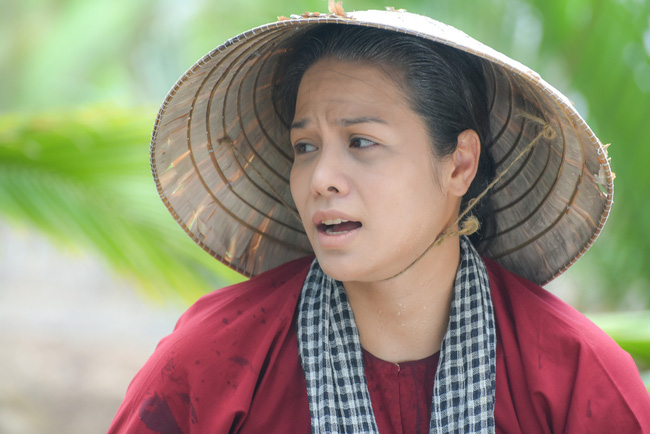 """""""Tiếng sét trong mưa"""": Cô gái lạ mặt cực xinh xuất hiện bên Nhật Kim Anh, fan đồn đoán Thị Bình đã sinh con  - Ảnh 5."""
