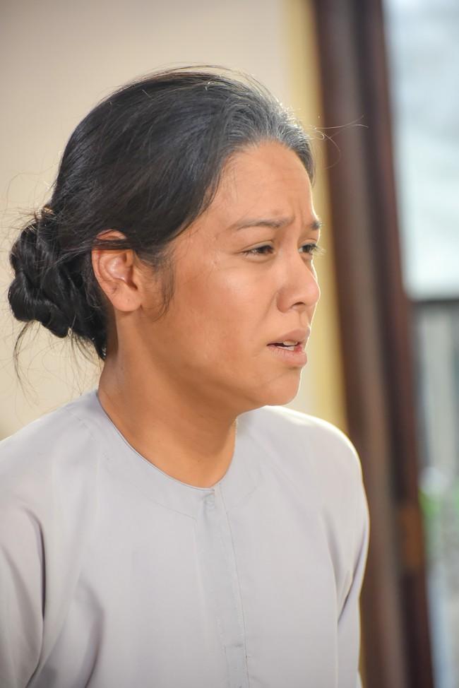 """""""Tiếng sét trong mưa"""": Cô gái lạ mặt cực xinh xuất hiện bên Nhật Kim Anh, fan đồn đoán Thị Bình đã sinh con  - Ảnh 6."""